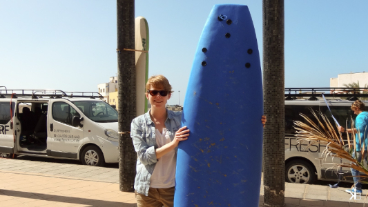 me and my board in the sun of El Cotillo, Fuerteventura | kleppiberlin.de