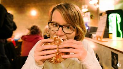 2016-01-Kleppiberlin-Rembrendt-Burger-04-It-tastes-good